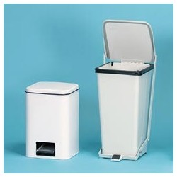 Step-On Receptacle, White, 18-qt.